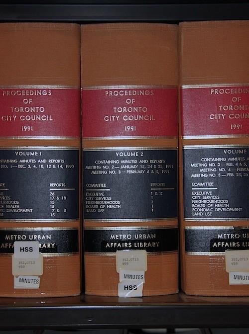 UAL_Books On Shelf